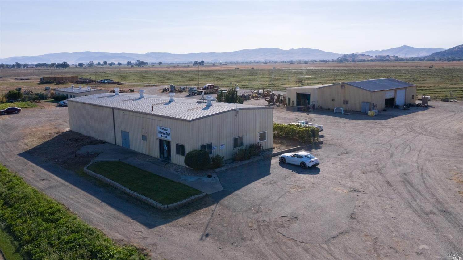 Commercial للـ Sale في 3773 Chadbourne Road Fairfield, California 94534 United States