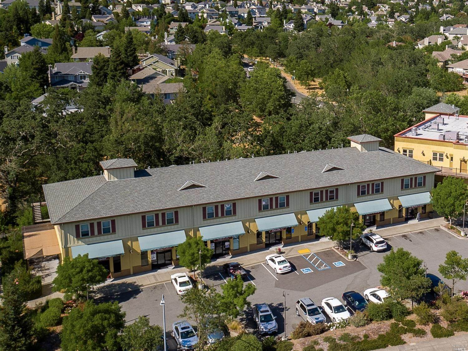 Commercial للـ Sale في 5761 Mountain Hawk Drive Santa Rosa, California 95409 United States