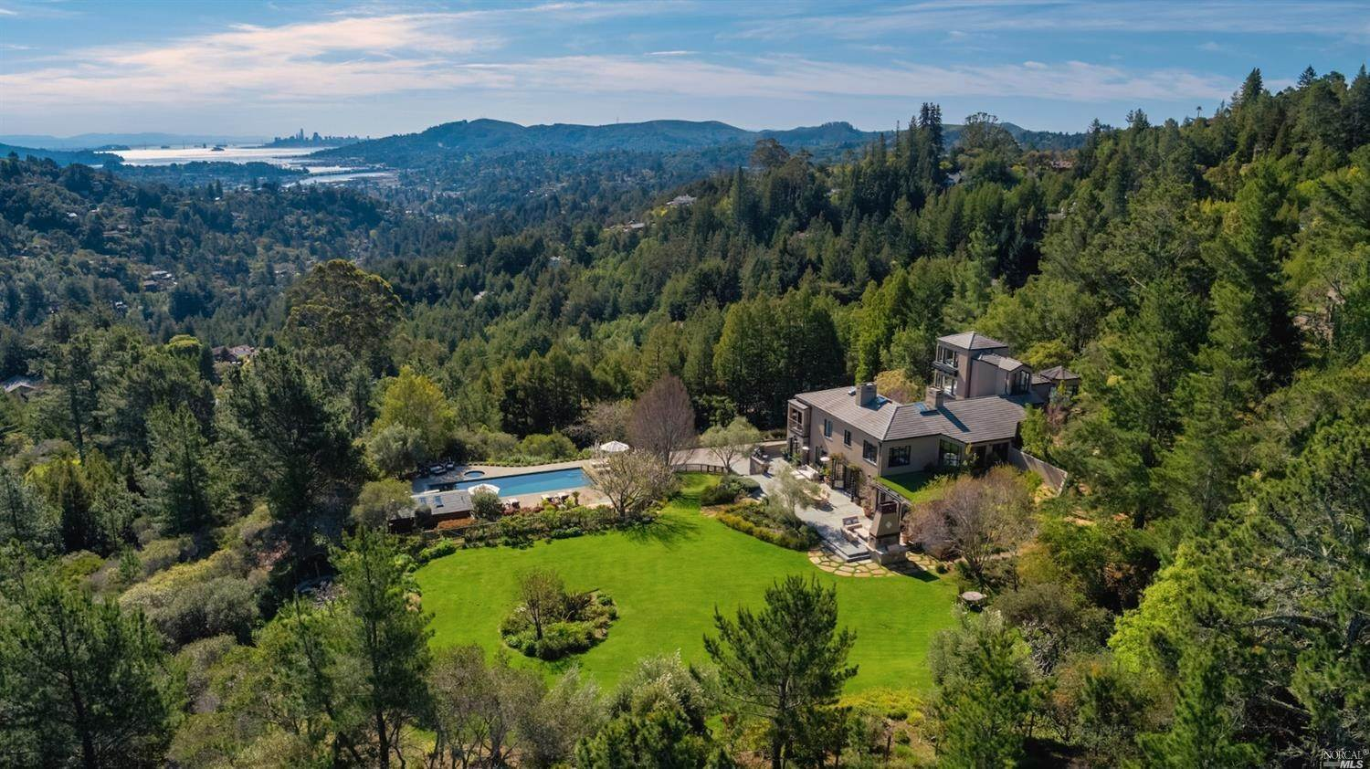 Single Family Homes per Vendita alle ore 435 Ralston Avenue Mill Valley, California 94941 Stati Uniti